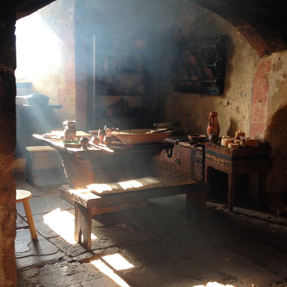 Astounding Medieval Kitchen Let Hem Boyle Interior Design Ideas Apansoteloinfo